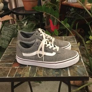 VANS WOMENS off the wall SNEAKERS 7.5